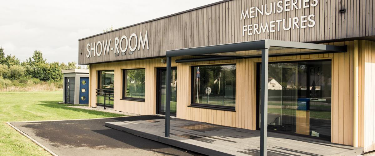 Notre showroom Hauteur Largeur vous propose tous types de menuiseries extérieurs et intérieures et vous accueille aux portes de Nantes (44) à Treillieres en Loire Atlantique