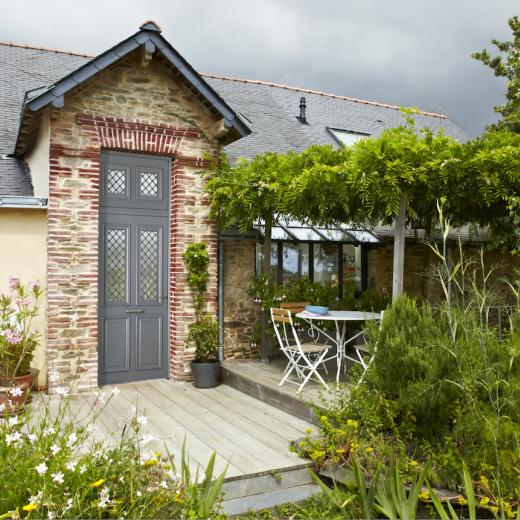 Découvrez nos portes d'entrée en aluminium dans notre showroom aux portes de Nantes (44) Loire Atlantique