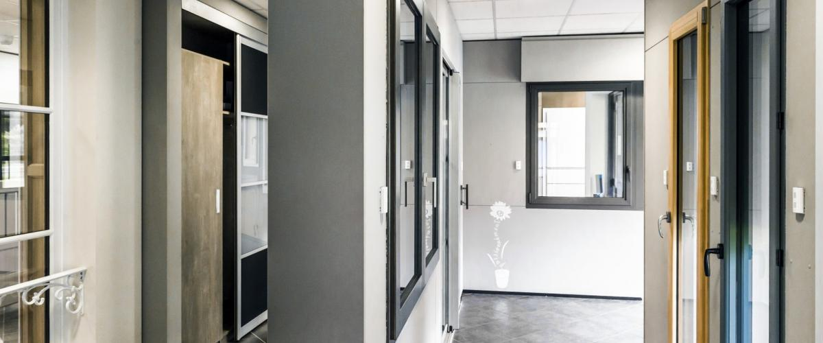 Notre Showroom Hauteur Largeur de 120 références d'ouvertures et de fermetures Nantes 44